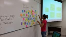 Aulas práticas, nas quais alunos são protagonistas da criação.