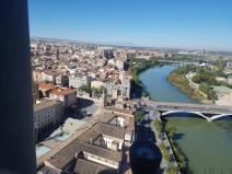 Rio Ebro, Zaragoza, ES, visto da torre da Catedral del Pilar 2017/out